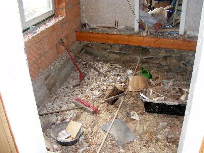 Balken Fußboden Dämmen ~ Innenarbeiten der fußboden hier sind noch die reste des alten