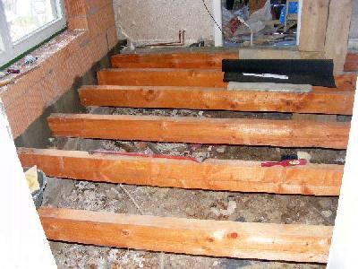 Fußboden Verlegen Mit Osb ~ Innenarbeiten: der fußboden hier sind noch die reste des alten